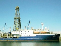 science-on-a-ship-diverse-microbes-of-the-deep,-dark-oceans
