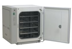 US AutoFlow 4950 Water-Jacketed CO2 Incubator
