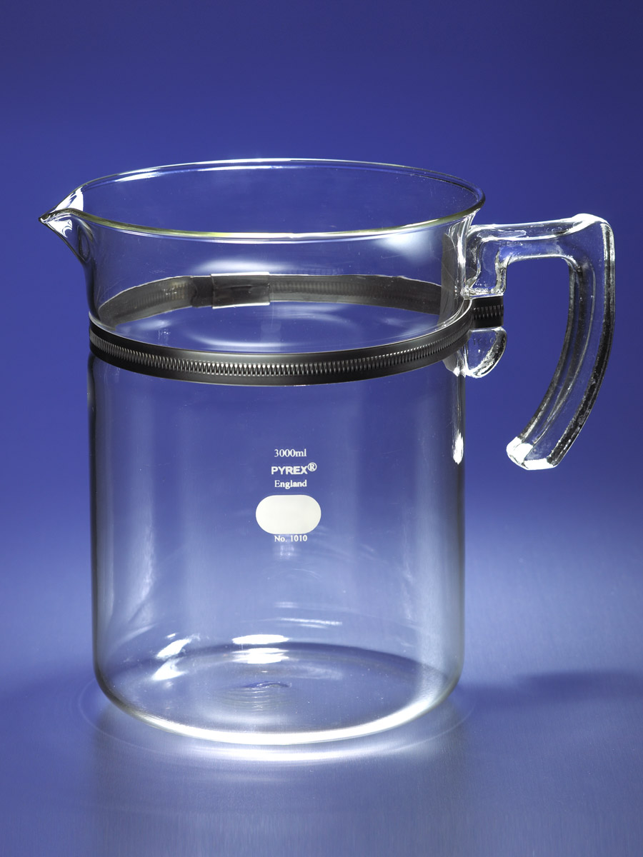 PYREX® 3L Beaker with Handle and Spout by Corning Life Sciences thumbnail