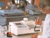 Cecil GeneQuest CE 2301 Low Cost DNA/RNA Analyser