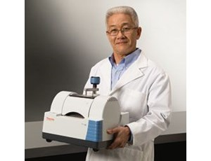 Thermo Scientific Nicolet iS5 FT-IR Spectrometer