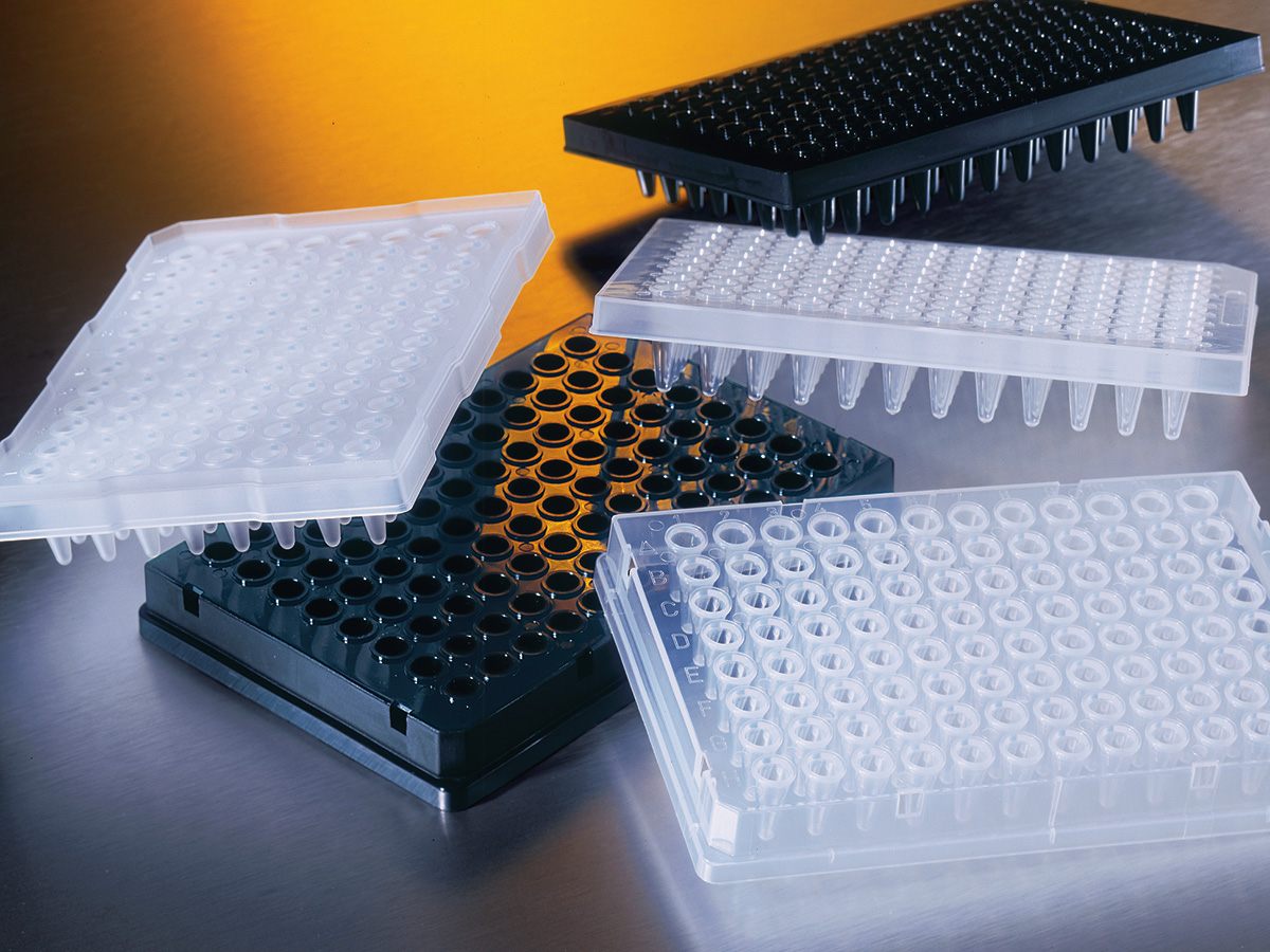 Corning® Thermowell™ GOLD 96-well Clear Polypropylene PCR Microplate, Full Skirt, Nonsterile by Corning Life Sciences thumbnail